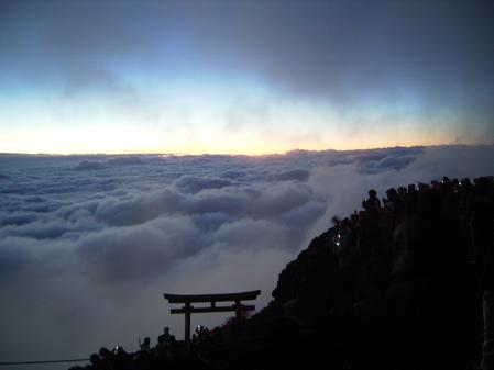 Mt Fuji Summit 2006-08-29 -1
